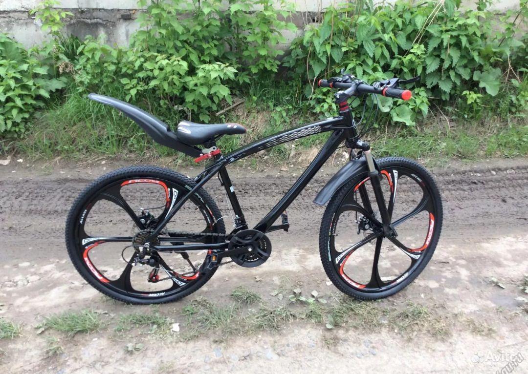 Велосипед на литых дисках bmw.  Москва