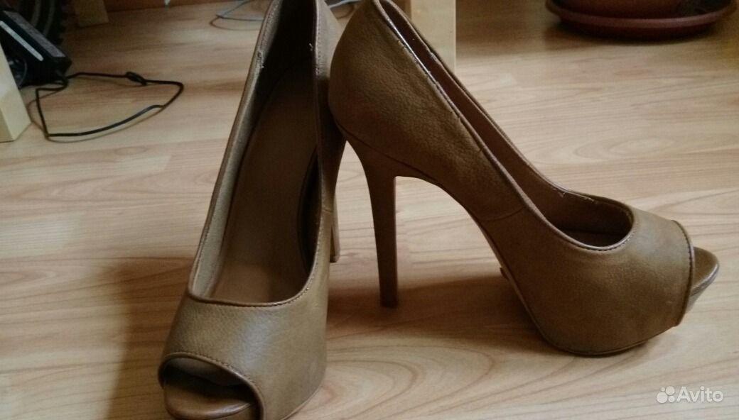 Бежевые туфли на высоком каблуке фирма Bershka   Festima.Ru ... 0a57a846384