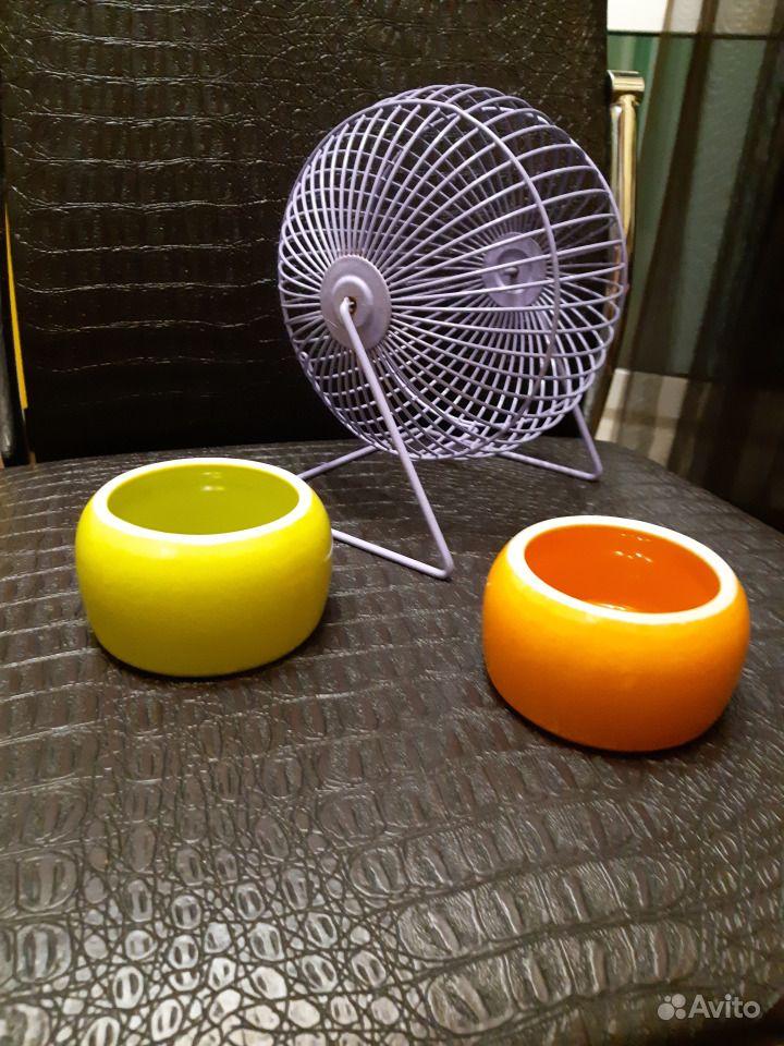 Продам фарфоровые кормушки и колесо для грызуна в Канске - фотография № 1
