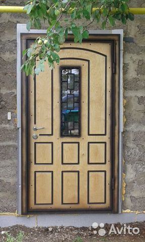 стальные двери общественных зданий