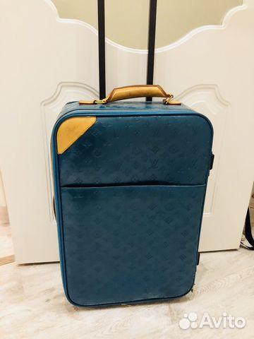 e5771481fca3 Чемодан,дорожная сумка Louis Vuitton купить в Москве на Avito ...