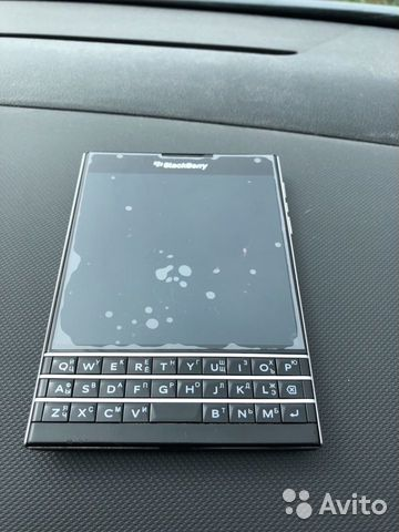 Продам Blackberry passport
