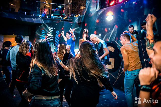 Бармен вакансия ночной клуб москва динамо москва молодежка футбольный клуб состав