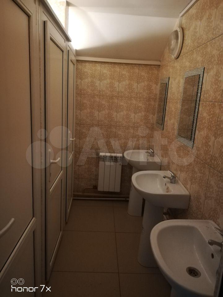 Комната 18 м² в 9-к, 1/2 эт.