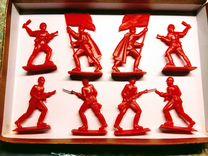 Солдатики СССР много