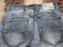 Тонкие джинсы 48